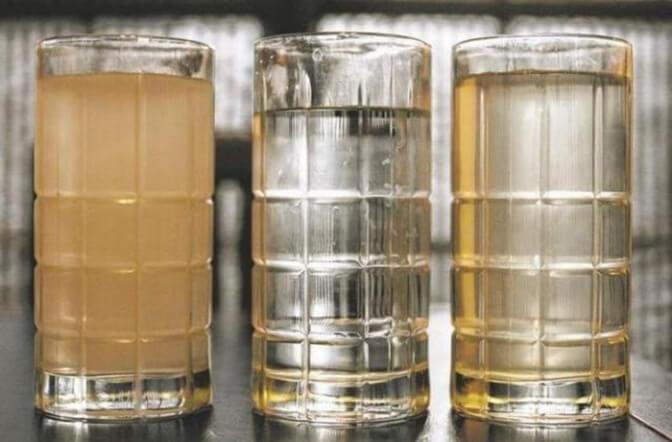 Почему вода из скважины желтеет